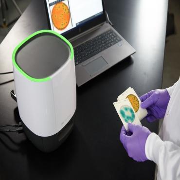 Petrifilm™ Plate Reader Advanced Petrifilm™ Accessories 3M